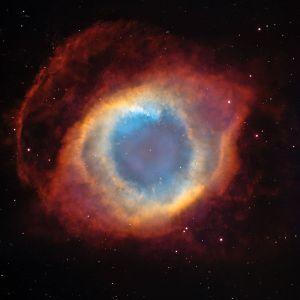 800px-NGC7293_(2004)